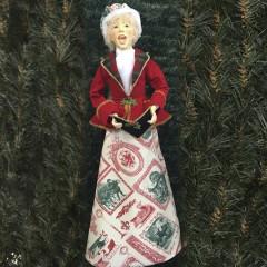 Julesangerinde, dame, 90 cm, rød, grøn og guld